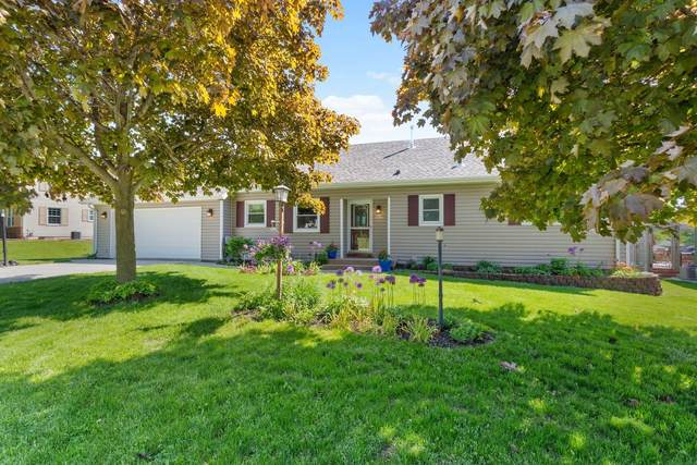 837 Riverview Dr, Plymouth, WI 53073 (#1692109) :: RE/MAX Service First Service First Pros