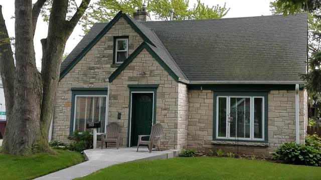 1925 W Kendall Ave, Glendale, WI 53209 (#1692148) :: OneTrust Real Estate