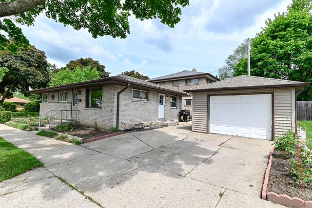 6552 W Lakefield Dr, Milwaukee, WI 53219 (#1692259) :: Tom Didier Real Estate Team