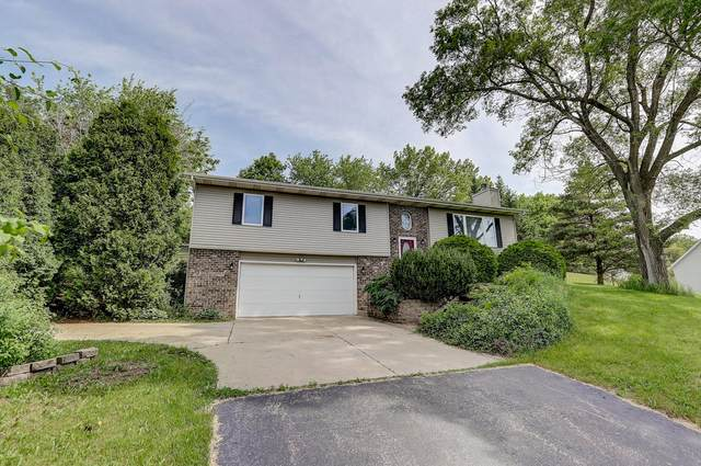 S71W32782 Tower Hill Dr, Mukwonago, WI 53149 (#1692387) :: RE/MAX Service First Service First Pros