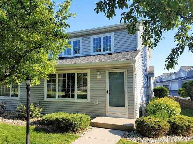 10152 W Whitnall Edge Dr # H, Franklin, WI 53132 (#1692412) :: RE/MAX Service First Service First Pros