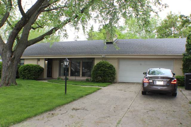 3121 N 103rd St, Wauwatosa, WI 53222 (#1692422) :: RE/MAX Service First Service First Pros
