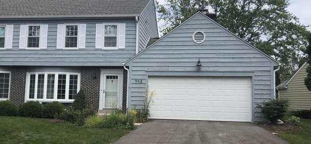 942 W Shaker Cir, Mequon, WI 53092 (#1692575) :: NextHome Prime Real Estate
