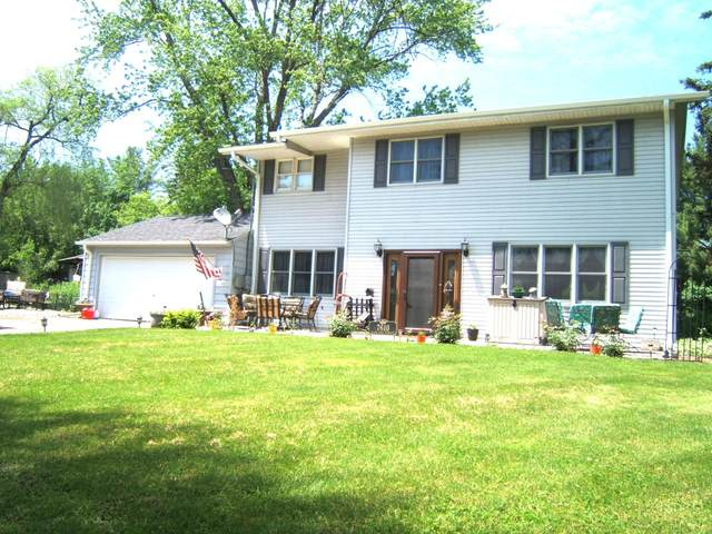 7610 Highland Ave, Burlington, WI 53105 (#1692851) :: RE/MAX Service First Service First Pros