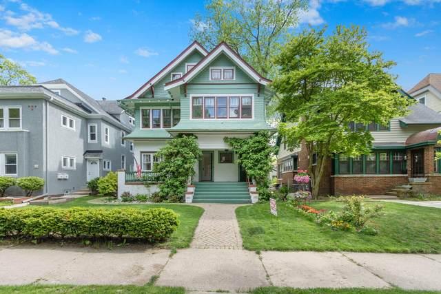 2427 E Stratford Ct, Shorewood, WI 53211 (#1692945) :: NextHome Prime Real Estate