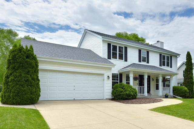 2117 Inverness Dr, Waukesha, WI 53186 (#1693184) :: NextHome Prime Real Estate