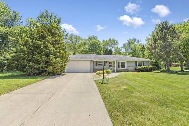 11441 Bridget Ln, Hales Corners, WI 53130 (#1693308) :: OneTrust Real Estate