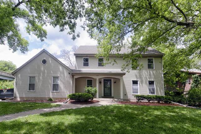 10740 W Fisher Pkwy, Wauwatosa, WI 53226 (#1693326) :: OneTrust Real Estate