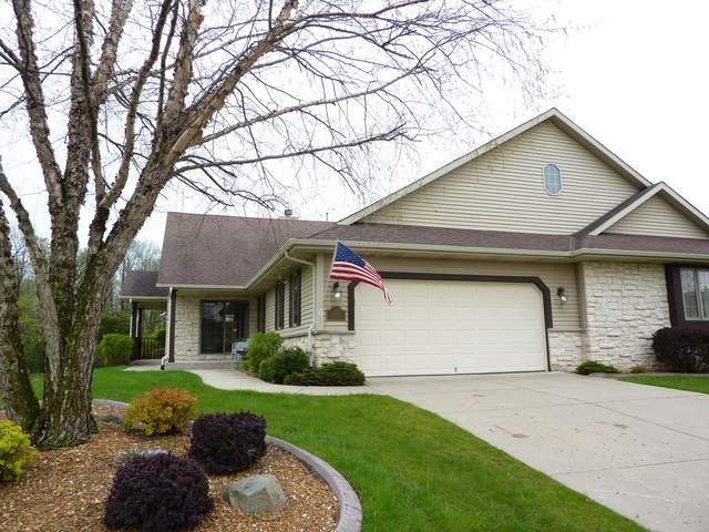 W154N6612 Marvel Dr #36, Menomonee Falls, WI 53051 (#1693498) :: RE/MAX Service First Service First Pros