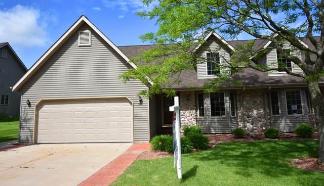 963 E Loos St #2, Hartford, WI 53027 (#1693628) :: Tom Didier Real Estate Team