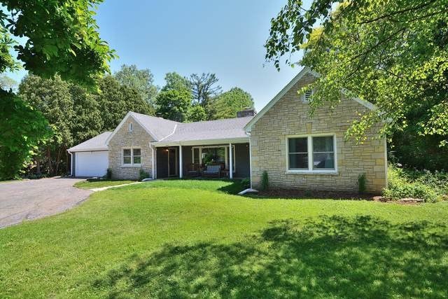 2440 Thornapple Ln, Brookfield, WI 53005 (#1693742) :: OneTrust Real Estate