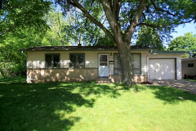 5619 Exeter St, Greendale, WI 53129 (#1693877) :: Keller Williams Realty - Milwaukee Southwest