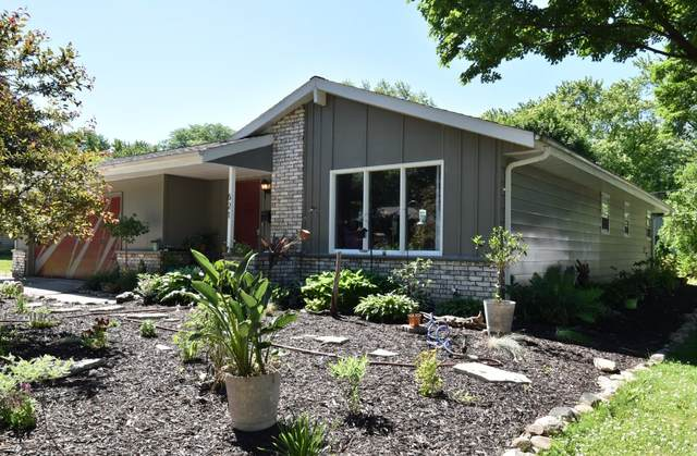 621 Renson Rd, Hartland, WI 53029 (#1694049) :: RE/MAX Service First