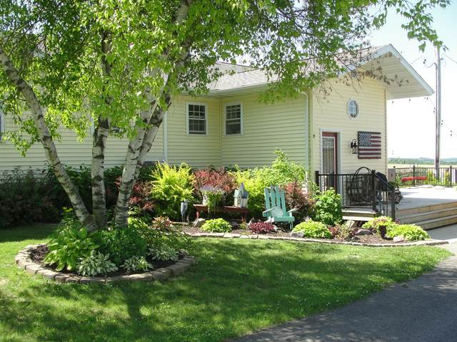 16433 State Hwy 27, Utica, WI 54628 (#1694289) :: NextHome Prime Real Estate