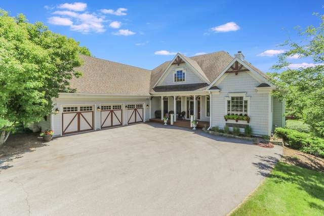 942 Moritz Ct, Geneva, WI 53147 (#1694480) :: RE/MAX Service First Service First Pros