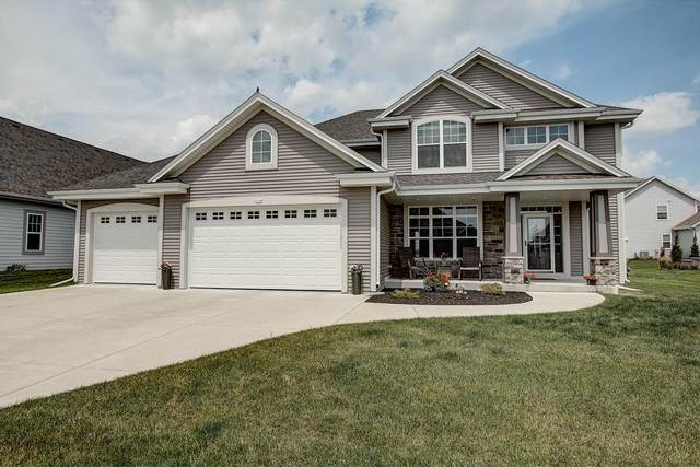 1310 Goldenrod Way, Oconomowoc, WI 53066 (#1694494) :: RE/MAX Service First Service First Pros
