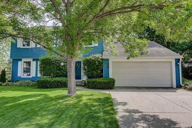 N25W22495 Ridgewood Ln, Pewaukee, WI 53186 (#1694632) :: OneTrust Real Estate