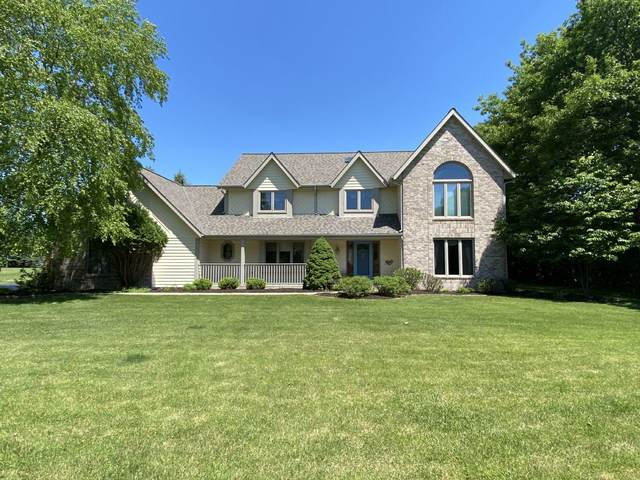 N18W28992 Golf Ridge S, Delafield, WI 53072 (#1694884) :: RE/MAX Service First