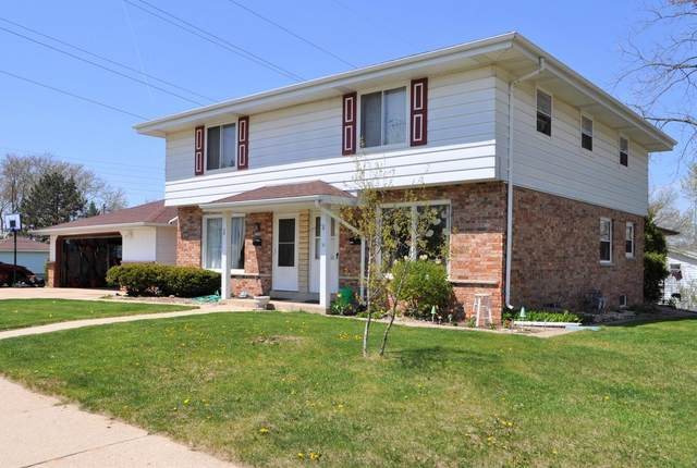 1356 Josephine St #58, Waukesha, WI 53186 (#1694942) :: RE/MAX Service First Service First Pros