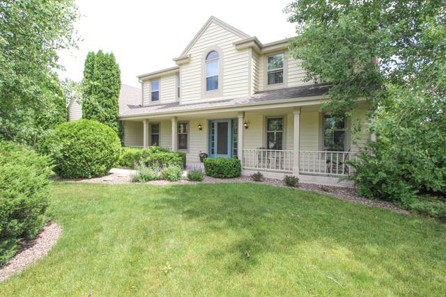 W169N5268 Oak Ridge Trl, Menomonee Falls, WI 53051 (#1695054) :: OneTrust Real Estate