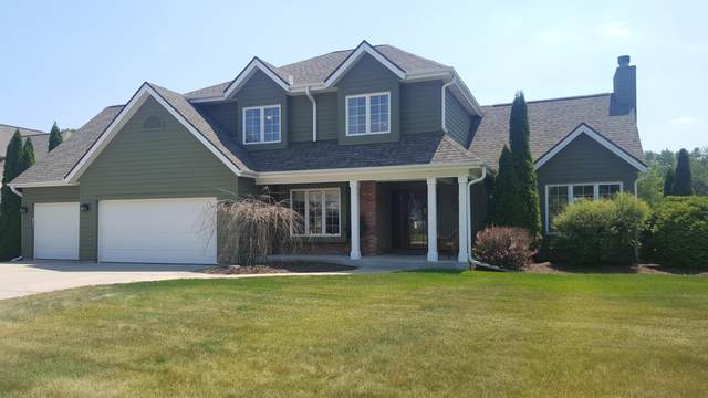 423 Deerwood Ct, Grafton, WI 53024 (#1695159) :: OneTrust Real Estate