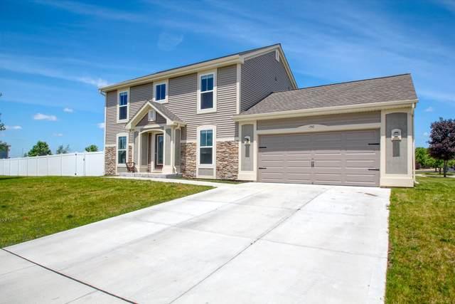 750 Aspen Dr, Hartford, WI 53027 (#1695357) :: Tom Didier Real Estate Team