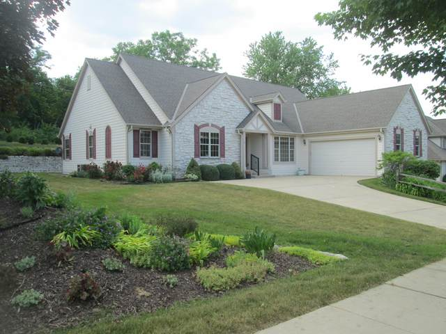 2918 Lookout Ridge Ct, Waukesha, WI 53189 (#1695382) :: OneTrust Real Estate