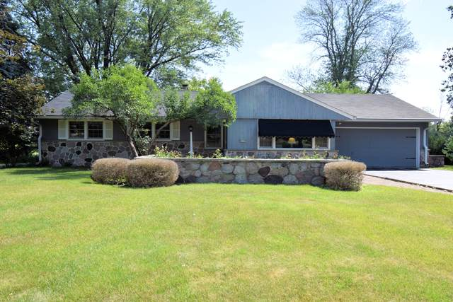 2020 Elm Tree Rd, Elm Grove, WI 53122 (#1695531) :: RE/MAX Service First Service First Pros