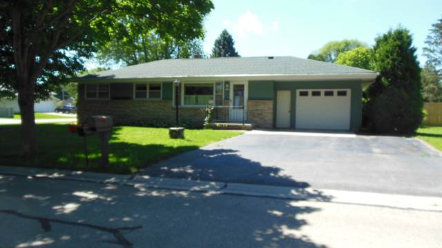 705 Pershing Ave, Sheboygan, WI 53083 (#1695934) :: RE/MAX Service First Service First Pros