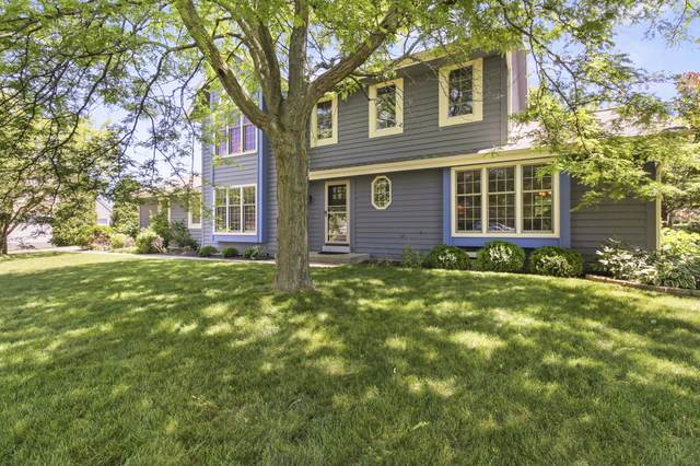 850 S Springdale Rd, Brookfield, WI 53186 (#1695940) :: RE/MAX Service First Service First Pros