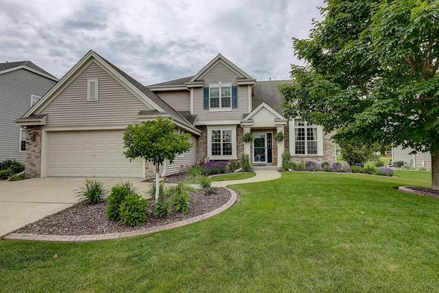 1611 Prairie Dr, West Bend, WI 53095 (#1696193) :: NextHome Prime Real Estate