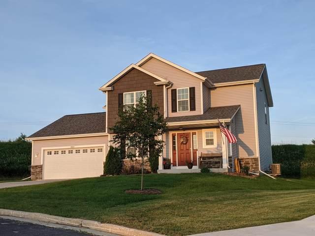 N8201 N Pritchard Farm Rd, Ixonia, WI 53036 (#1696331) :: RE/MAX Service First Service First Pros