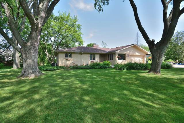 1005 Verdant Dr, Elm Grove, WI 53122 (#1696437) :: RE/MAX Service First Service First Pros