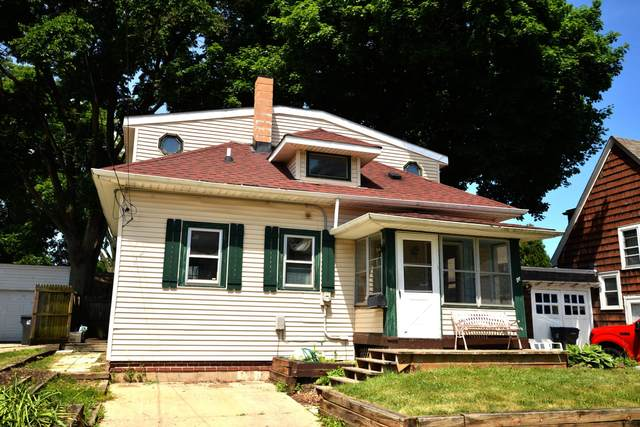 512 Oakland Ave, Waukesha, WI 53186 (#1696583) :: RE/MAX Service First Service First Pros