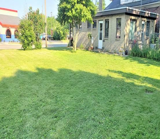 2718 Douglas Ave, Racine, WI 53402 (#1696608) :: NextHome Prime Real Estate