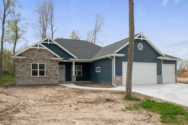 2722 Knuell St, Manitowoc, WI 54220 (#1696623) :: RE/MAX Service First Service First Pros