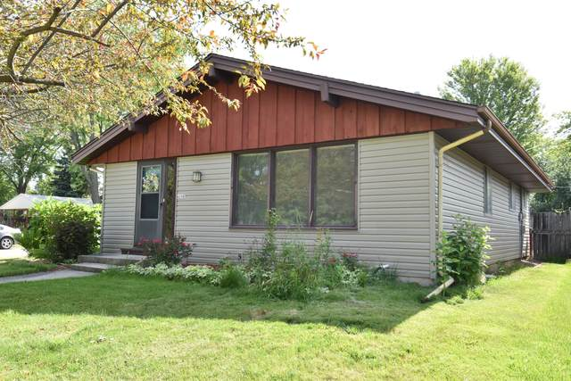 4200 S 90th St, Greenfield, WI 53228 (#1696646) :: Keller Williams Realty - Milwaukee Southwest