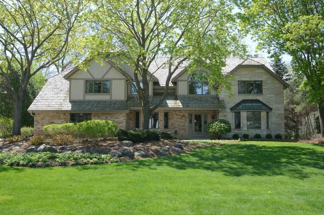 19745 Independence Dr, Brookfield, WI 53045 (#1696648) :: RE/MAX Service First