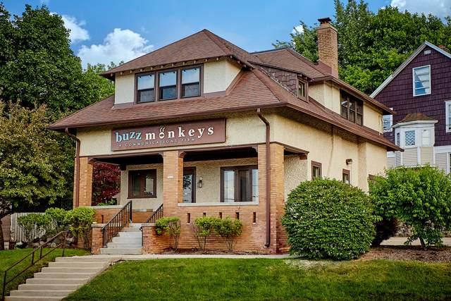 7845 Harwood Ave, Wauwatosa, WI 53213 (#1696817) :: NextHome Prime Real Estate