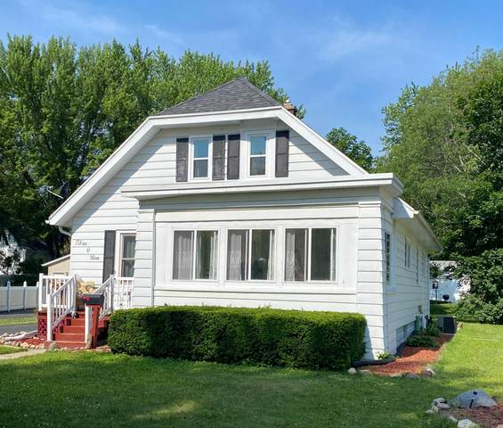 309 Shirley St, Fort Atkinson, WI 53538 (#1696836) :: RE/MAX Service First