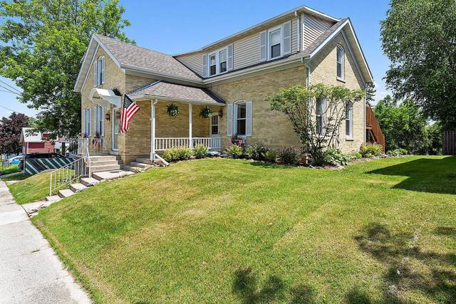 1311 S 13th St, Manitowoc, WI 54220 (#1696869) :: Tom Didier Real Estate Team
