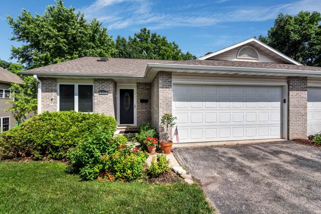 390 Country Club Drive, Lake Geneva, WI 53147 (#1696873) :: RE/MAX Service First