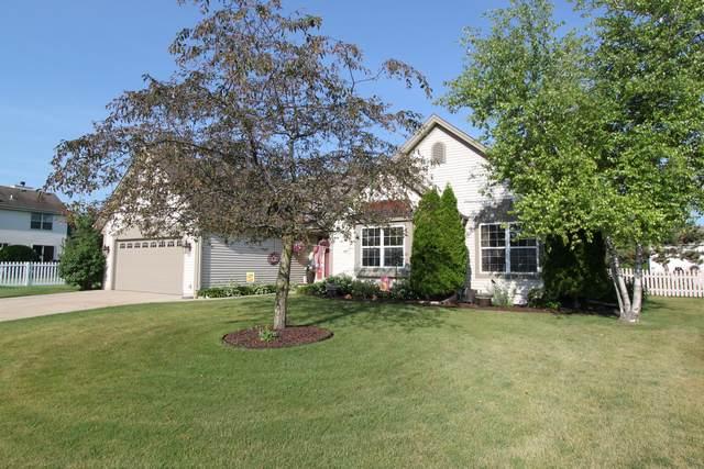 818 Chelsea Dr, Elkhorn, WI 53121 (#1696878) :: NextHome Prime Real Estate
