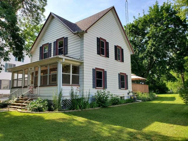 422 Converse St, Fort Atkinson, WI 53538 (#1696892) :: RE/MAX Service First