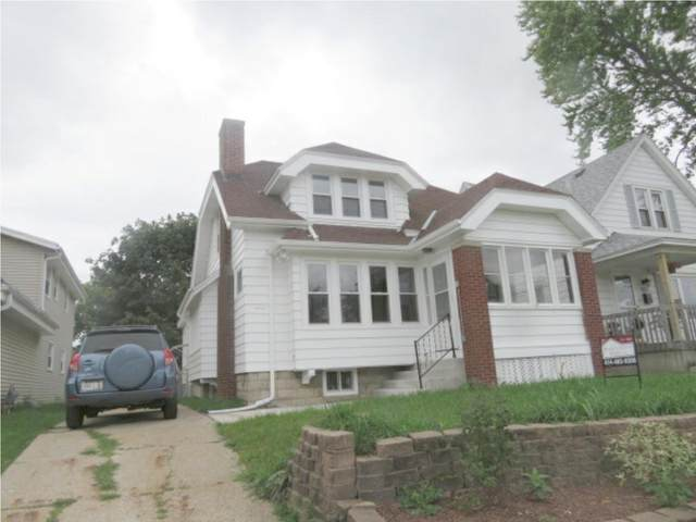 5613 W Oklahoma Ave, Milwaukee, WI 53219 (#1696914) :: RE/MAX Service First