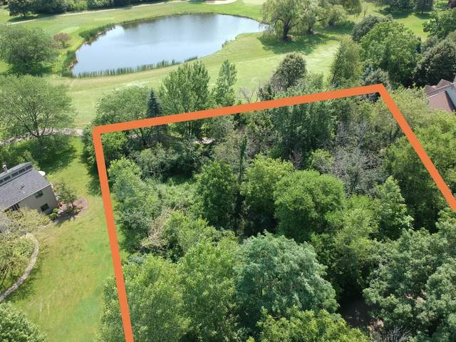 1501 Country Club Dr, Fontana, WI 53125 (#1696919) :: RE/MAX Service First