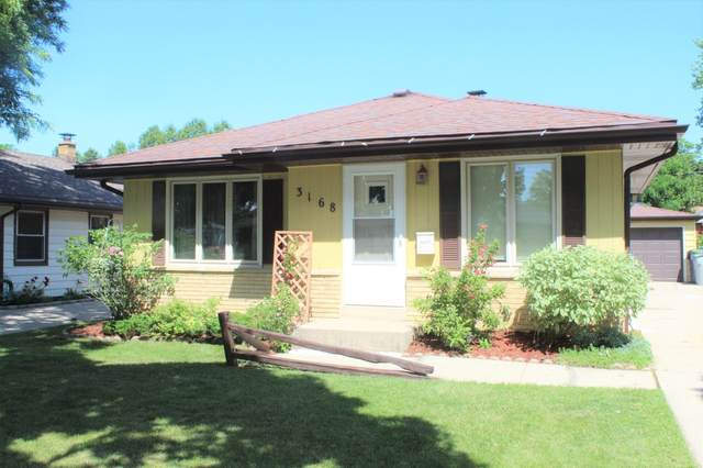 3168 S 98th St, Milwaukee, WI 53227 (#1696935) :: RE/MAX Service First