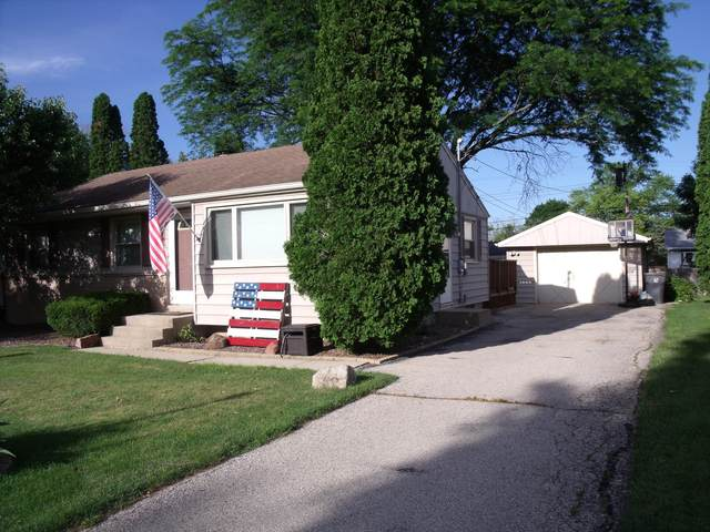 5446 S 114th St, Hales Corners, WI 53130 (#1696954) :: RE/MAX Service First