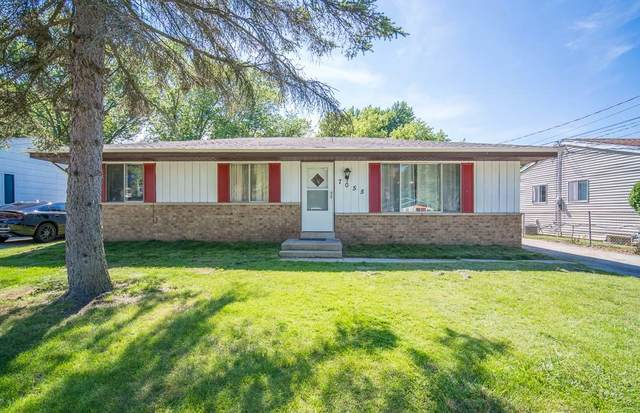 7055 N 44th St, Milwaukee, WI 53223 (#1696955) :: RE/MAX Service First