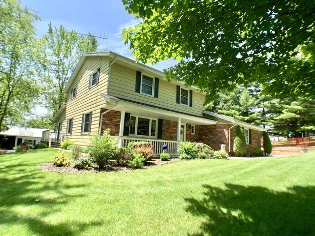 S69W22965 National Ave, Vernon, WI 53103 (#1696956) :: RE/MAX Service First